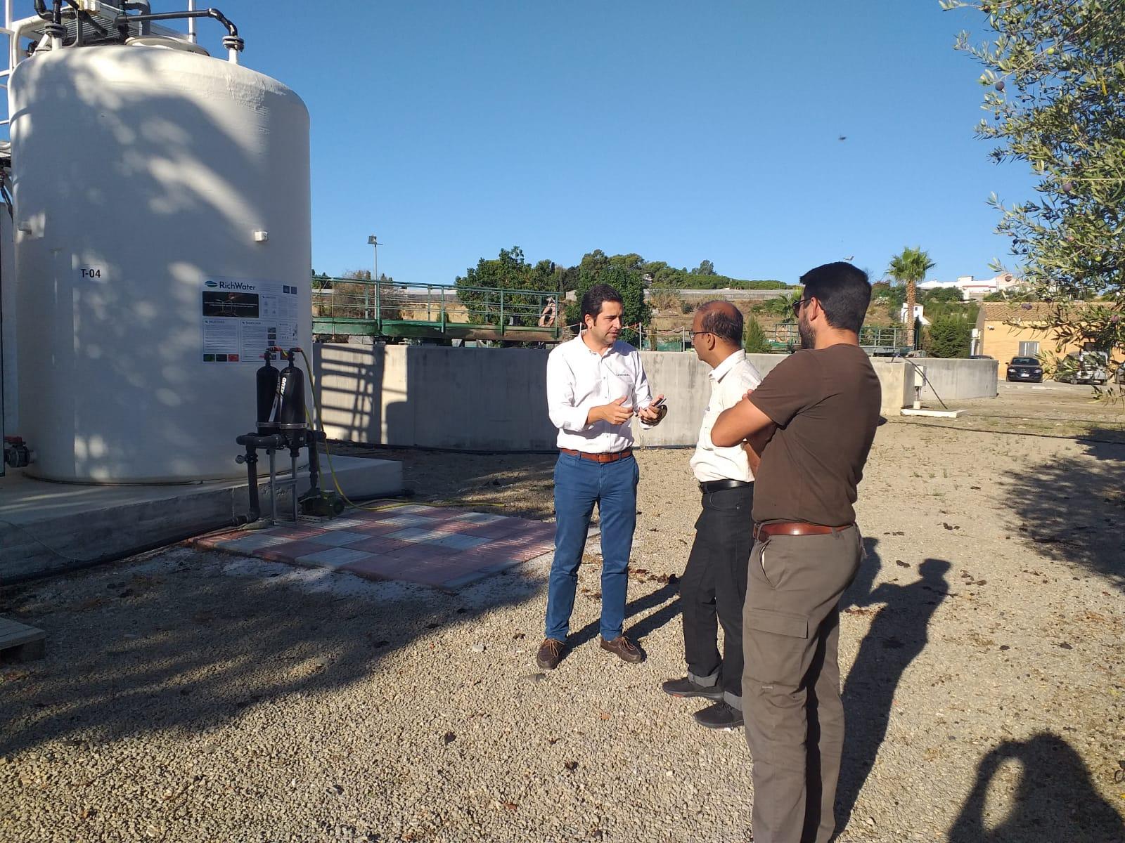 Visita del Prof. Girish a la planta RichWater