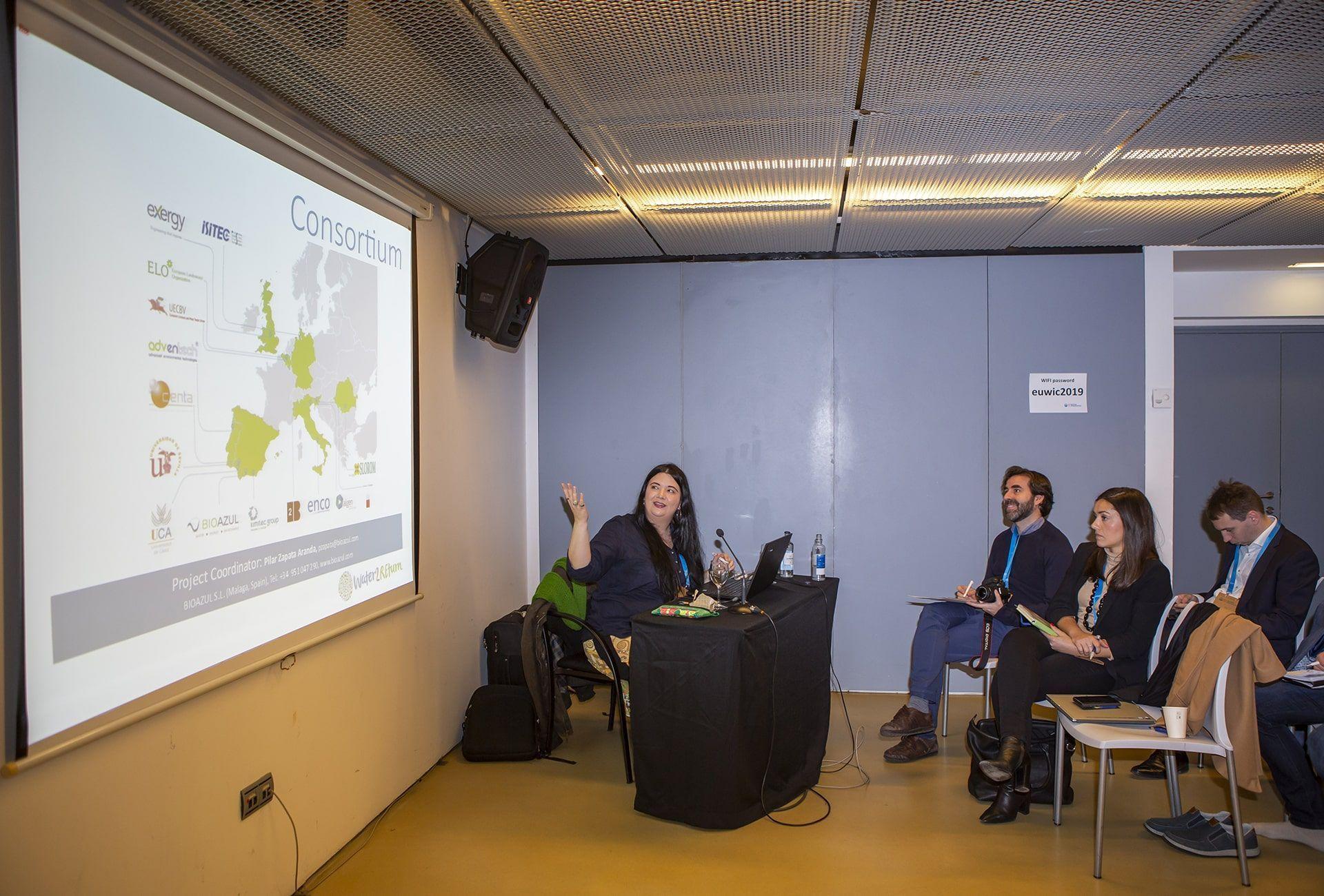 Pilar Zapata (Bioazul) presenta el proyecto Water2REturn